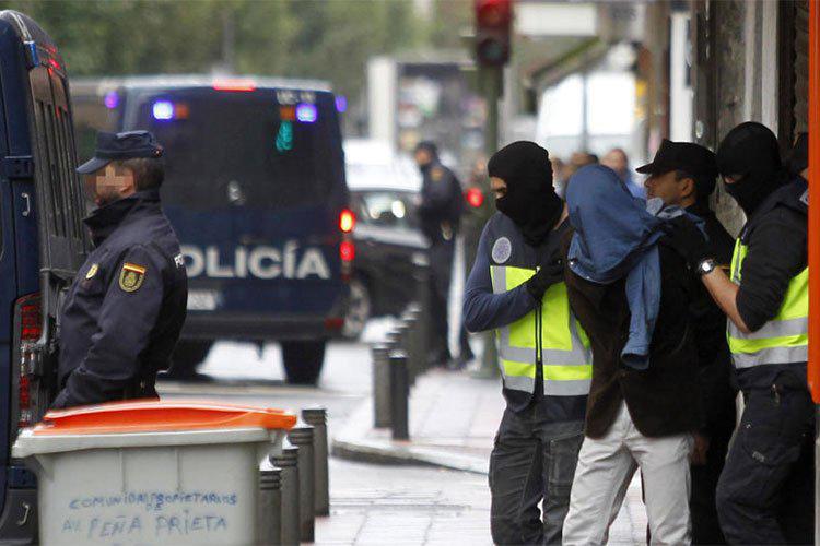 الشرطة الإسبانية تعتقل جزائريين متورطين بالارهاب